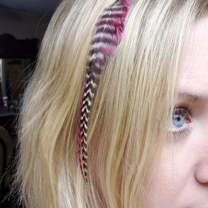 Accessories - Feather Hair Clip - White and Pink Stripes